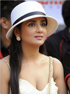 Parul Yadav in Beautiful Cream Gown Taking Selfie Spicy Pics